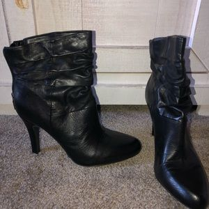 INC TANGY BLACK LEATHER BOOTIE 9.5 NEW